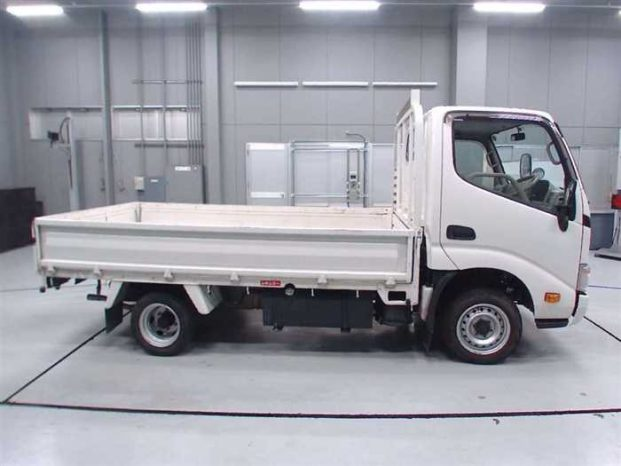 Used Abroad 2013 Toyota Dyna full