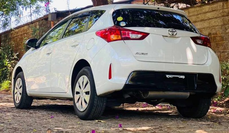 2013 Used Abroad Automatic Toyota Auris full